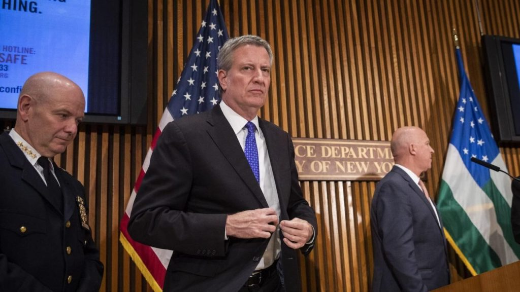 New York City Mayor Bill De Blasio announces $10,000 fines for travelers flouting COVID quarantine mandates