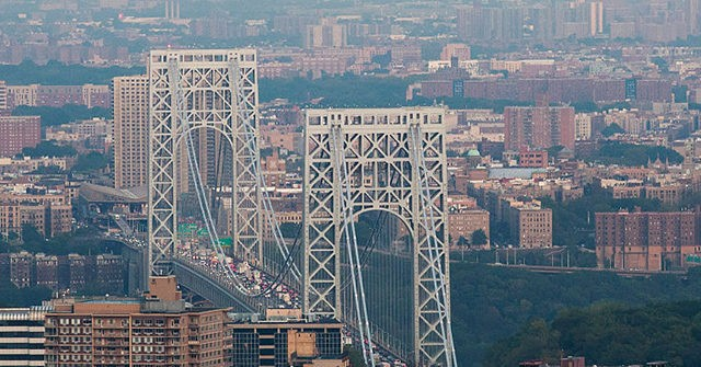 BLM Activists Block GW Bridge, Surround Police Precinct in NYC