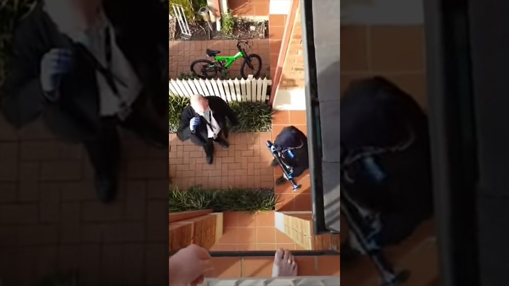 MEDICAL POLICE STATE TYRANNY: Australian police smash down the door of a man and violently arrest him for mentioning anti-lockdown protest