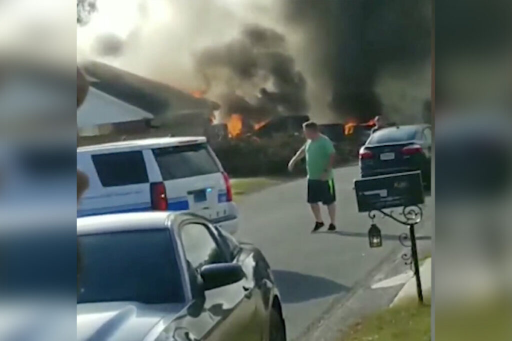 Two dead after Navy plane crashes in Alabama neighborhood