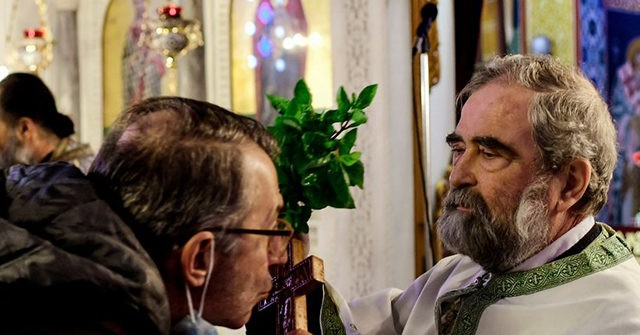 Greece: Government Opens Churches After Christians Defy Coronavirus Ban on Epiphany