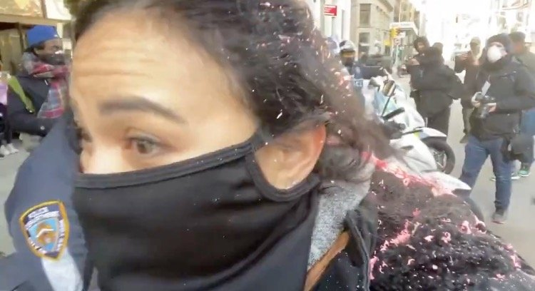 BLM-Antifa Thugs Violently Attack Female Journalist in NYC – Police Stand by and Do Nothing (VIDEO)