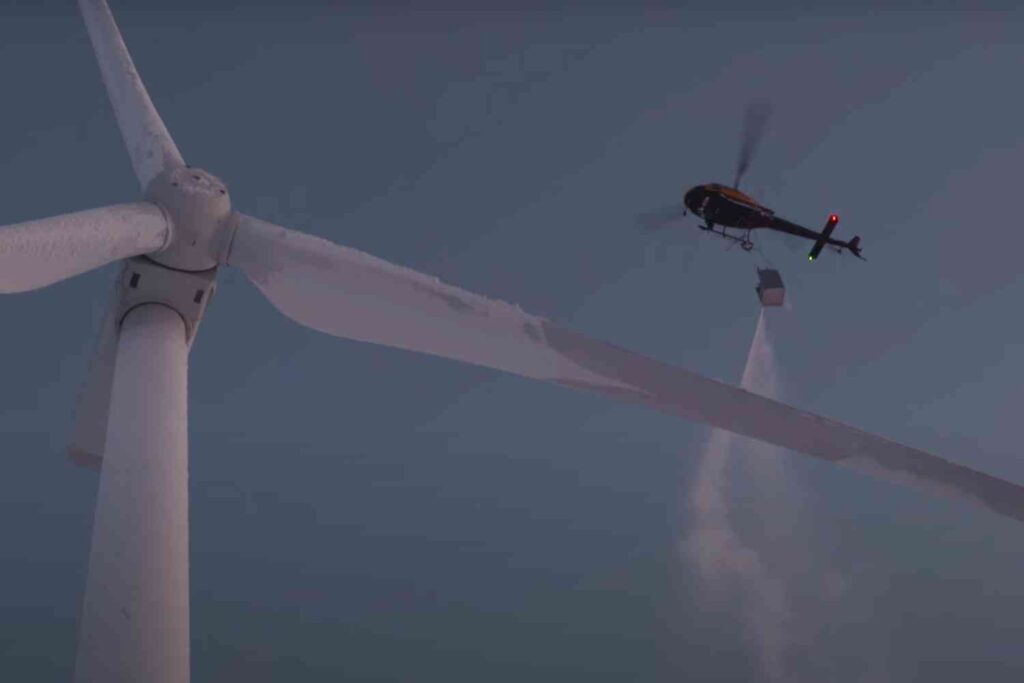 Irony: Fossil fuels being used to rescue green energy turbines in frozen Texas