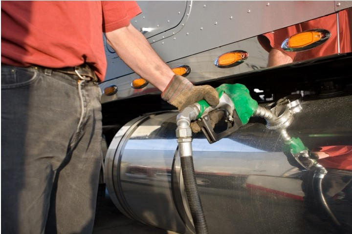 Oregon Democrat Introduces Bill to Ban Petroleum-based Diesel in the State