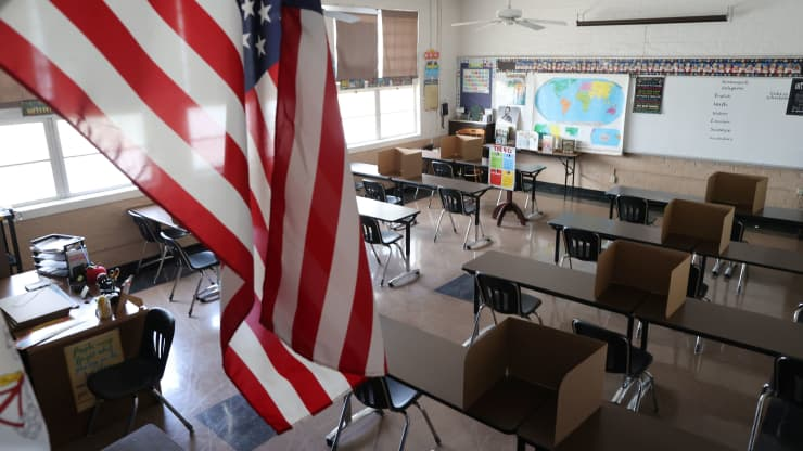 Arizona Governor Issues Executive Order Requiring Schools To Offer In-Person Learning