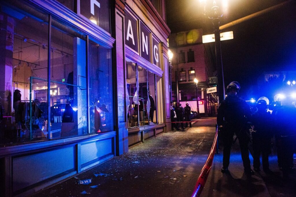 Portland Rioters Smash Windows, Harass Diners
