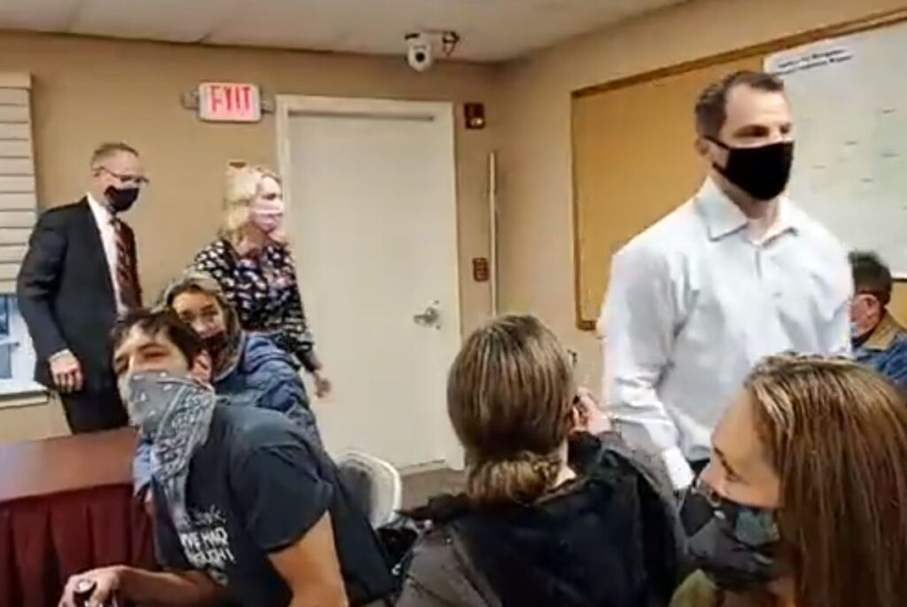 BREAKING! Windham, NH Board WALKS OUT of Town Meeting After Outraged Residents Shout Them Down Over Audit! — VIDEO … UPDATE: Meeting Moved to High School