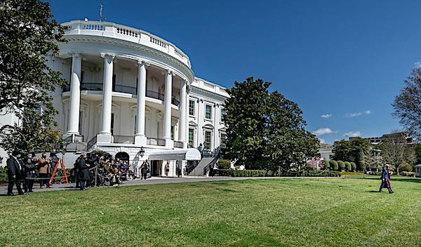 Biden's sister gets book deal, cashing in on his presidency