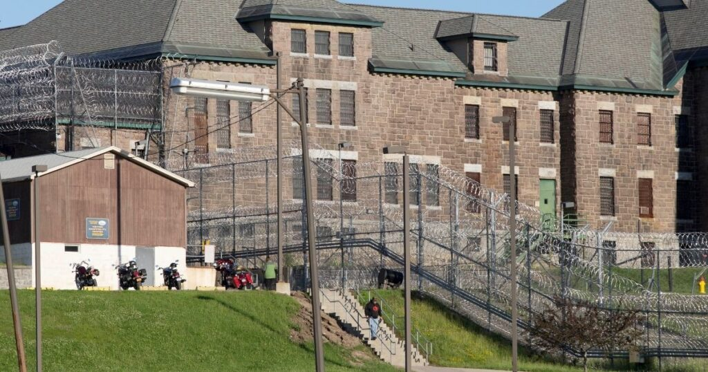 New York Offers Prisoners Parties and Sex as Incentive for Getting COVID Vaccine