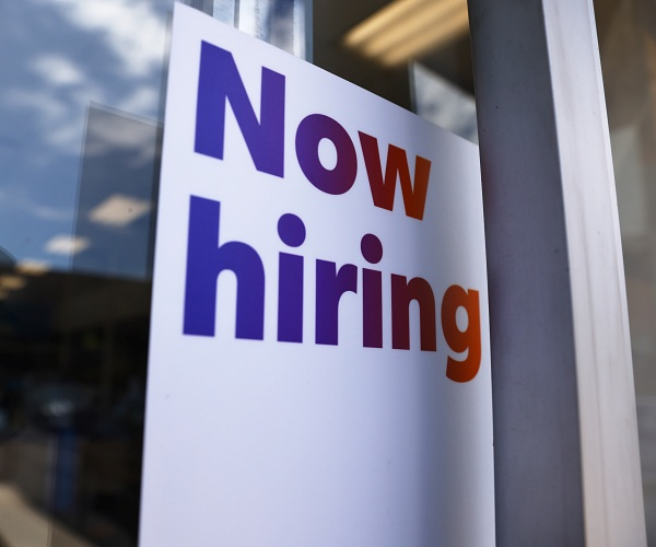 Only 10 Percent of Unemployed Workers Urgently Seeking Jobs: Survey