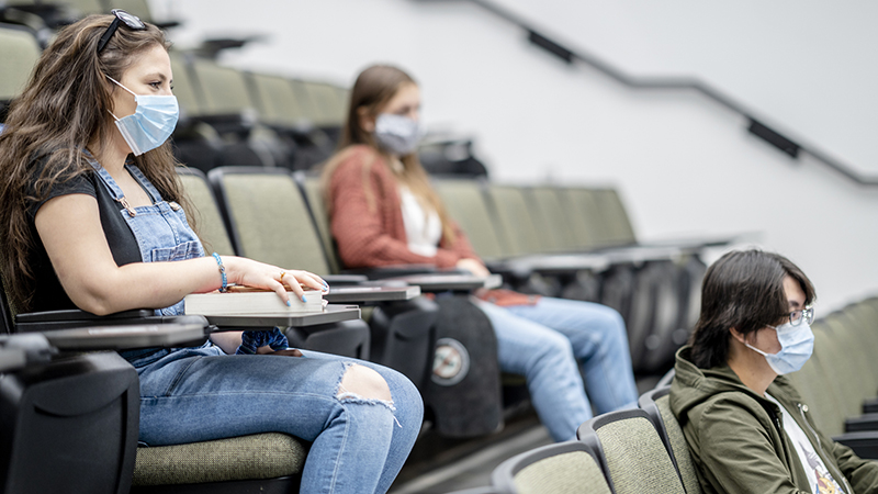 Unvaccinated Students Will Not Be Able To Attend Lectures Under Government Plans