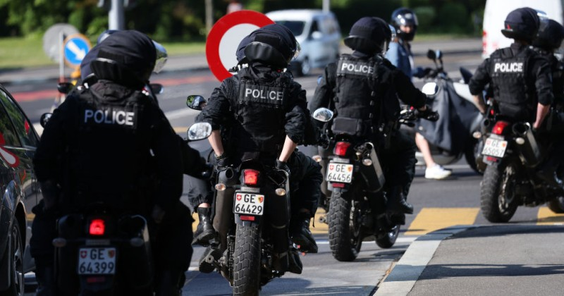 Swiss Police Threaten to Stop Enforcing COVID-19 Rules