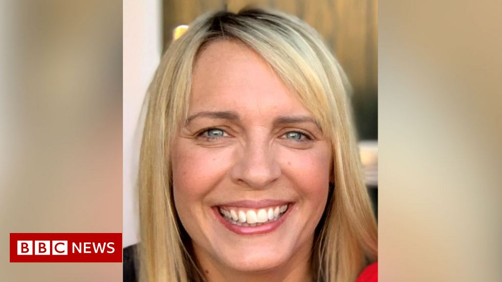 Lisa Shaw: Presenter's death due to complications of Covid vaccine
