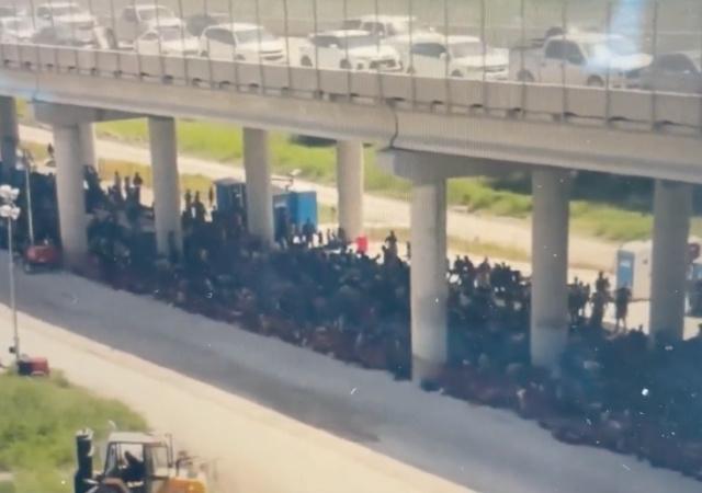 Border Patrol Says 5,000 Migrants Were Under Texas Bridge on Sunday