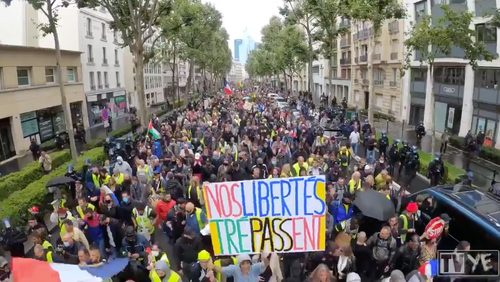 """""""No Vaccine Passports"""" - Thousands Protest Across France Over New COVID Rules"""