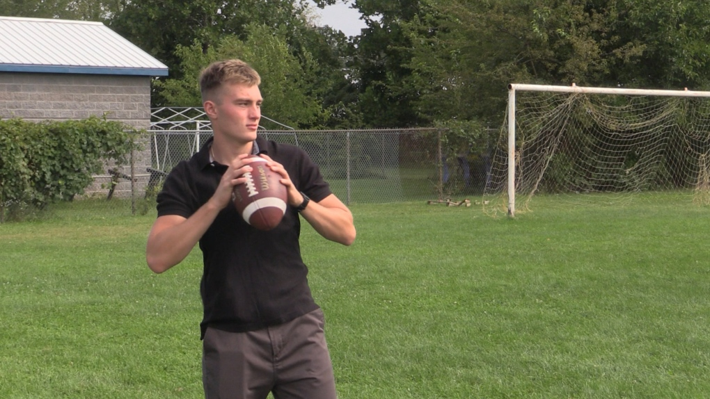 'I'm not vaccinated': Top high school quarterback's season sacked by new TVDSB vaccine policy