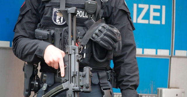 Syrian Teen Refugee Arrested in Germany over Islamist Plot to Attack Synagogue