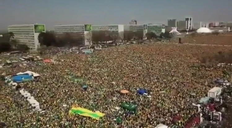 Brazilian President Jair Bolsonaro Packs the Streets with Supporters in Triumphant Show of Power