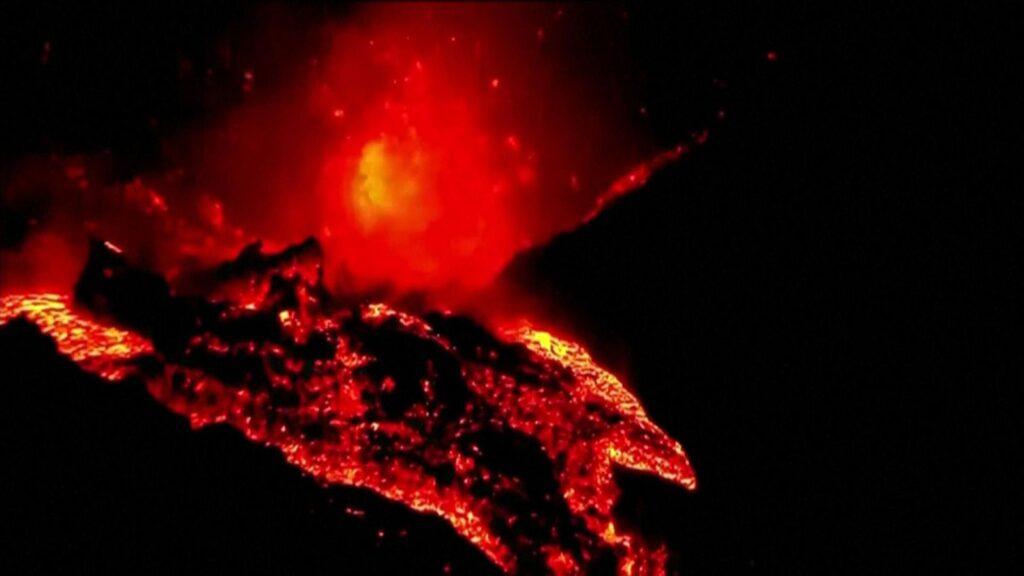 La Palma: Rivers of lava after volcano eruption