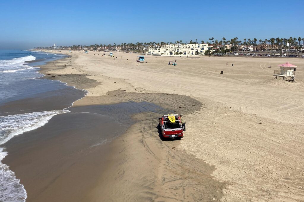 Southern California beach set to reopen after oil spill