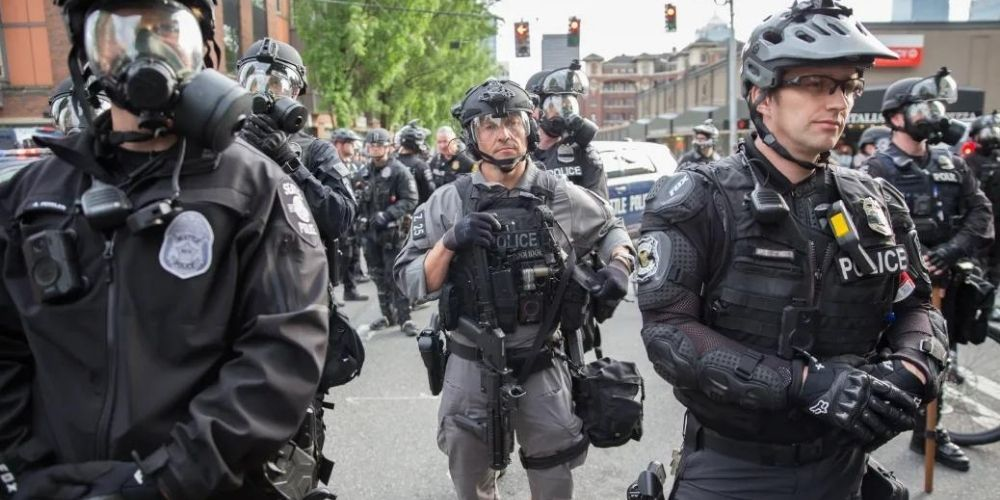 Over 350 Seattle police officers haven't turned in vaccination records as deadline looms